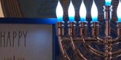 ما قصة الشموع على منشورات الفيس بوك بعد التحديث